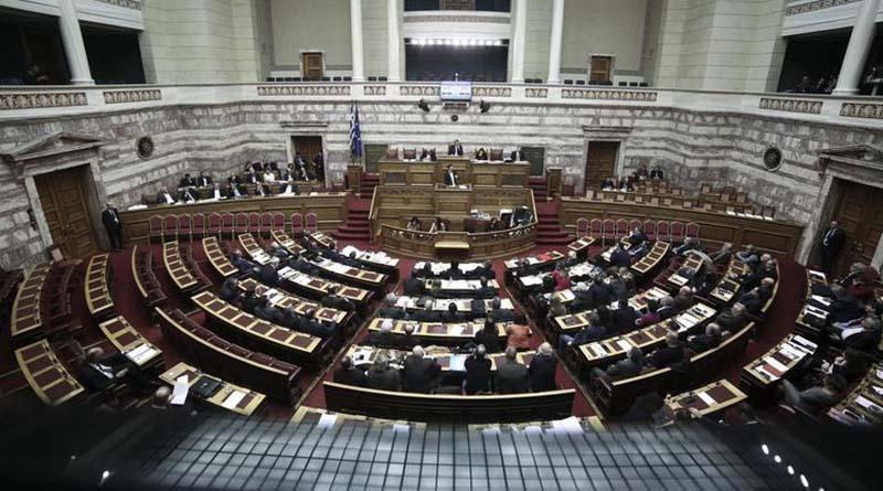 Κορυφώνεται η κόντρα στη Βουλή για την πώληση μονάδων της ΔΕΗ