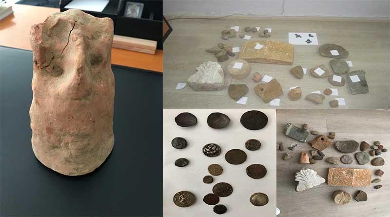 Εντοπίστηκαν σε θαμνώδη περιοχή στην Κορωνησία Άρτας, δύο ταξιδιωτικοί σάκοι με αντικείμενα που εμπίπτουν στη Νομοθεσία περί Αρχαιοτήτων