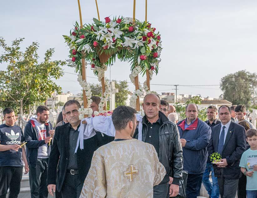 Με κατάνυξη η περιφορά του επιταφίου στο Κοιμητήριο της Πρέβεζας (Φώτο-Vid)