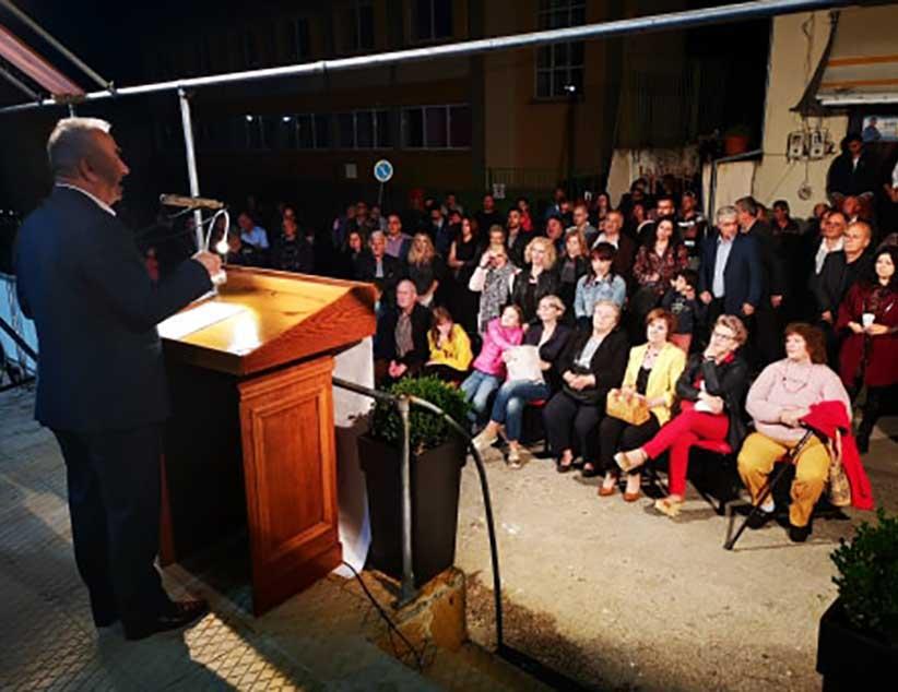 Ο κόσμος έστειλε μήνυμα Νίκης στην ομιλία του Βαγγέλη Ροπόκη στον Λούρο