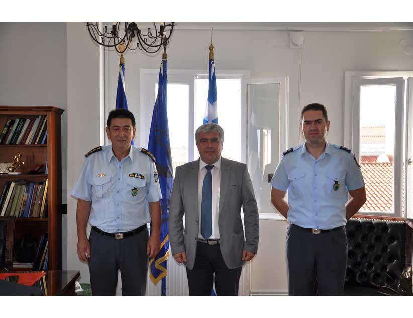 Συνάντηση του Δημάρχου Πρέβεζας με τον Αστυνομικό Διευθυντή.
