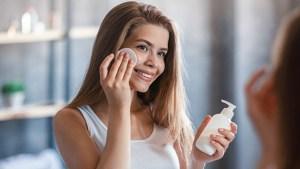 makeup-remover-adobe-stock-ftr.jpg