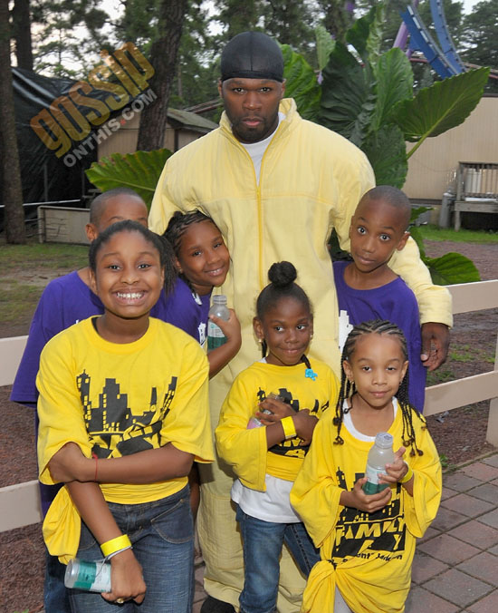 50 Cent Takes A Group Of Children To Six Flags Great