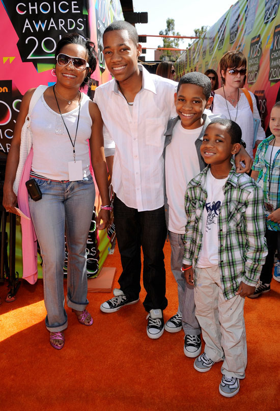 Actor Tyler James Williams with his mom and little ...