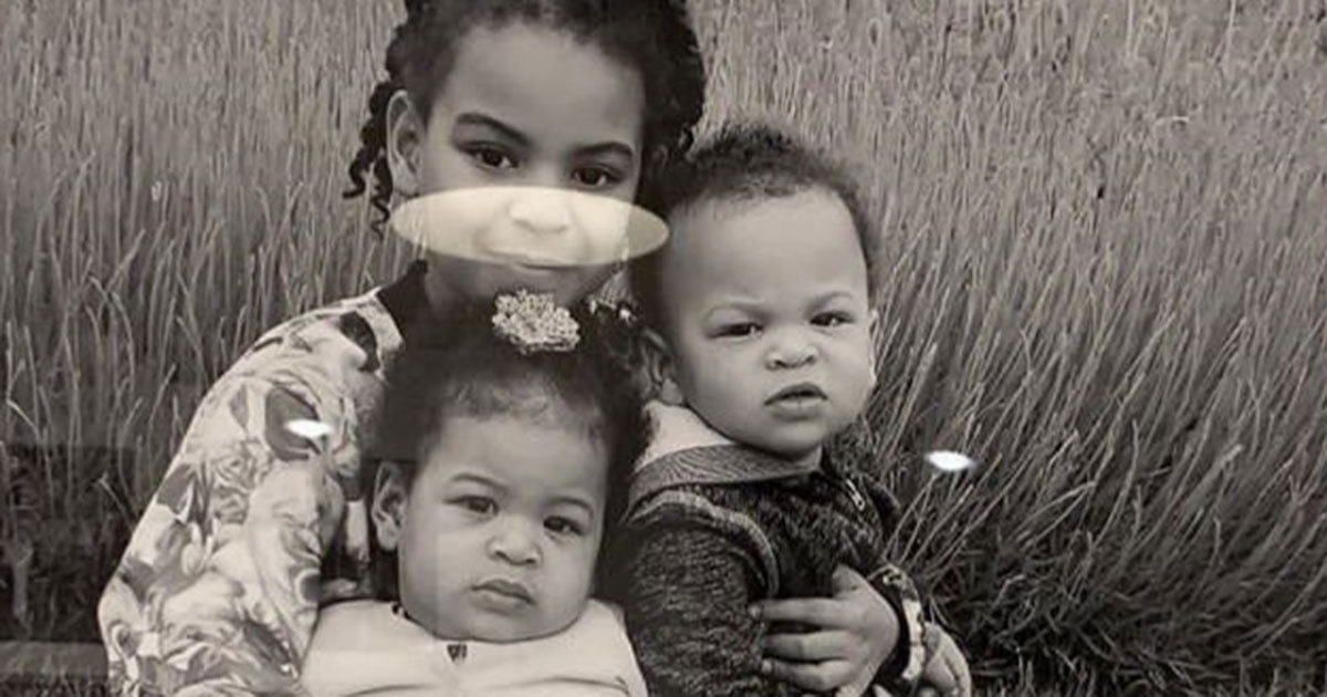 blue ivy carter poses with twins sir