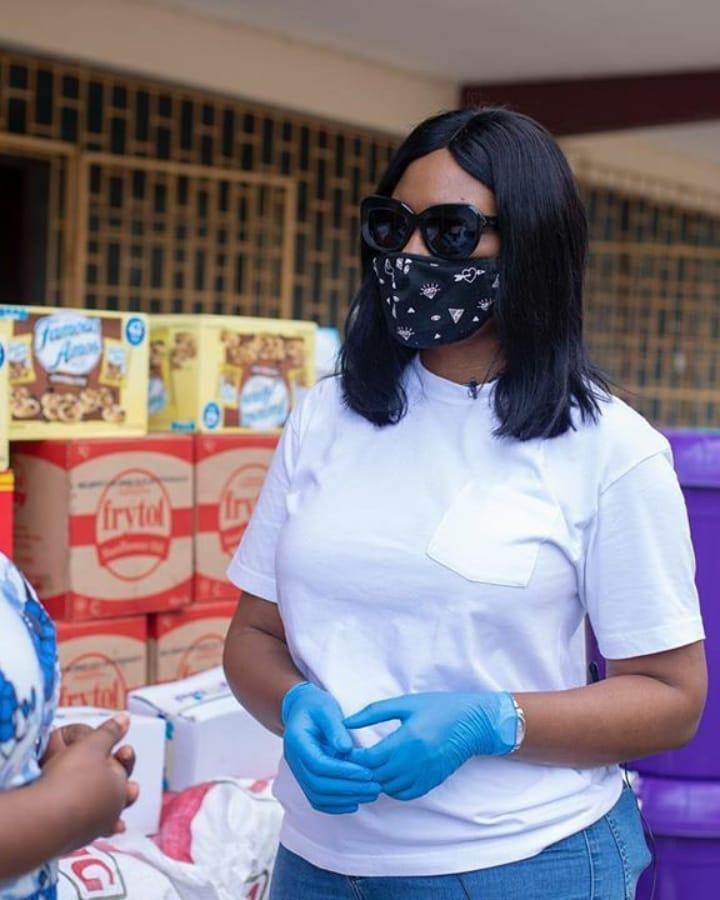 Lawyer And Fashionista - Sandra Ankobiah Donates Items Worth Ghc 10,000 To Osu Children's Home 2