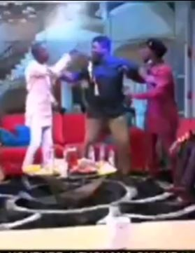 """I will beat you solid"" - Funny Face punches Lilwin on UTV (video) 1"