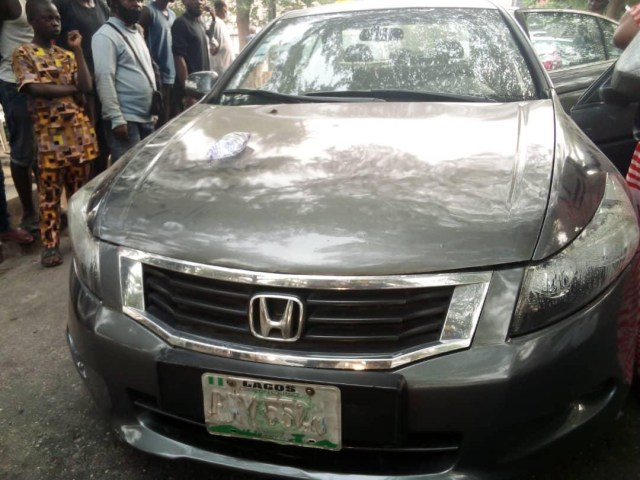 Man found dead in his car in Lagos (photos)