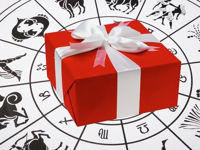 Holiday Gifts for Each Zodiac Sign
