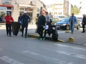 Акција за чистење во Гостивар: Сите заедно да се потрудиме да го сочуваме градот чист!
