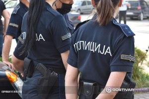 Хрватица физички нападнала полицаец во Гостивар