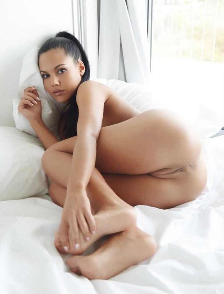 Foto de mulher pelada morena