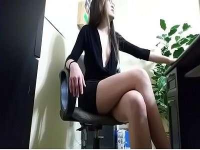 Caiu na net secretaria gostosa fodendo com seu chefe