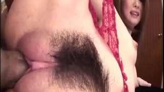 Comendo a buceta peluda da japonesa gostosa