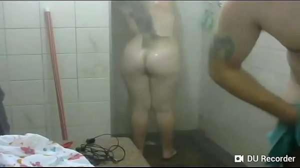 Gordinha safada levando pau no banho
