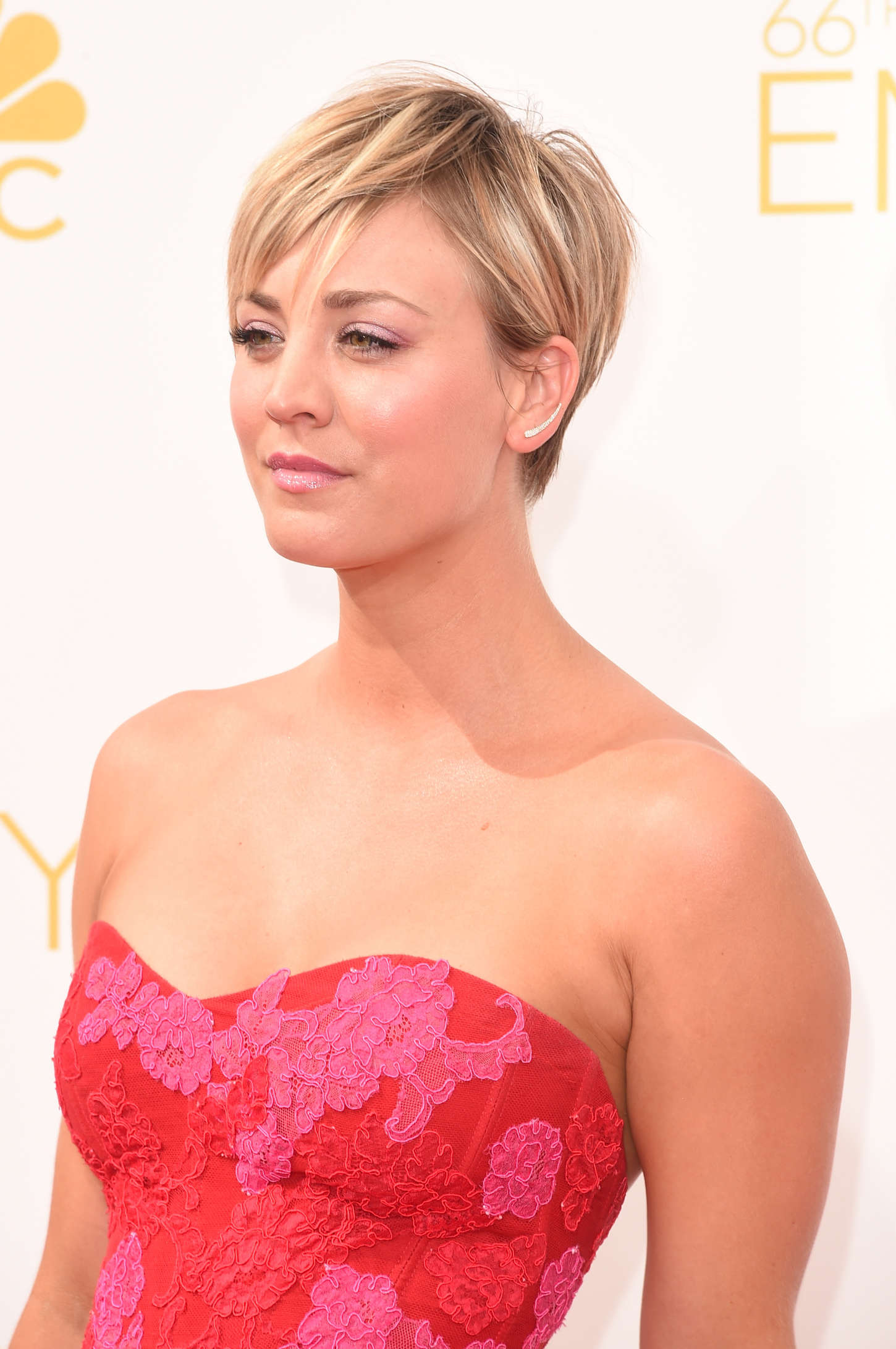 Short Hair Kaley Cuoco