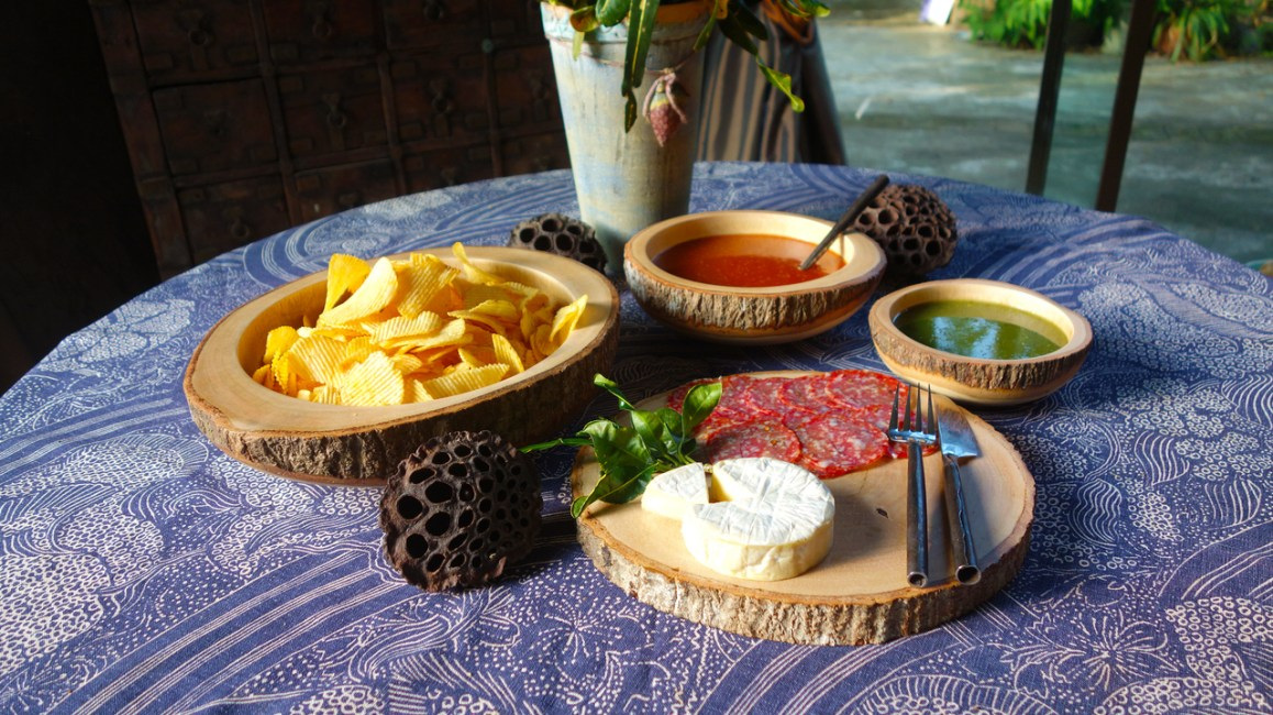 Roro_4_piece_appetizer_set_with_chips_JPG__36458.1418479707.1280.1280