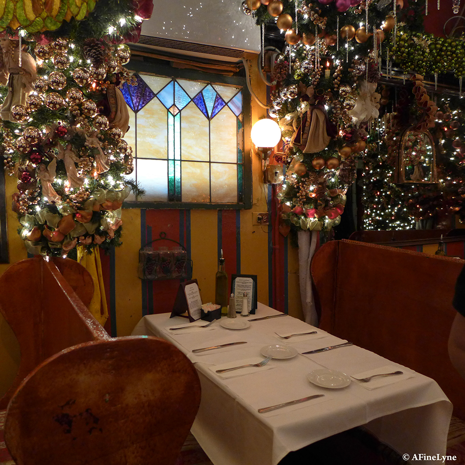 German Christmas Restaurant Nyc.Celebrating The Holidays With A Visit To Rolf S German