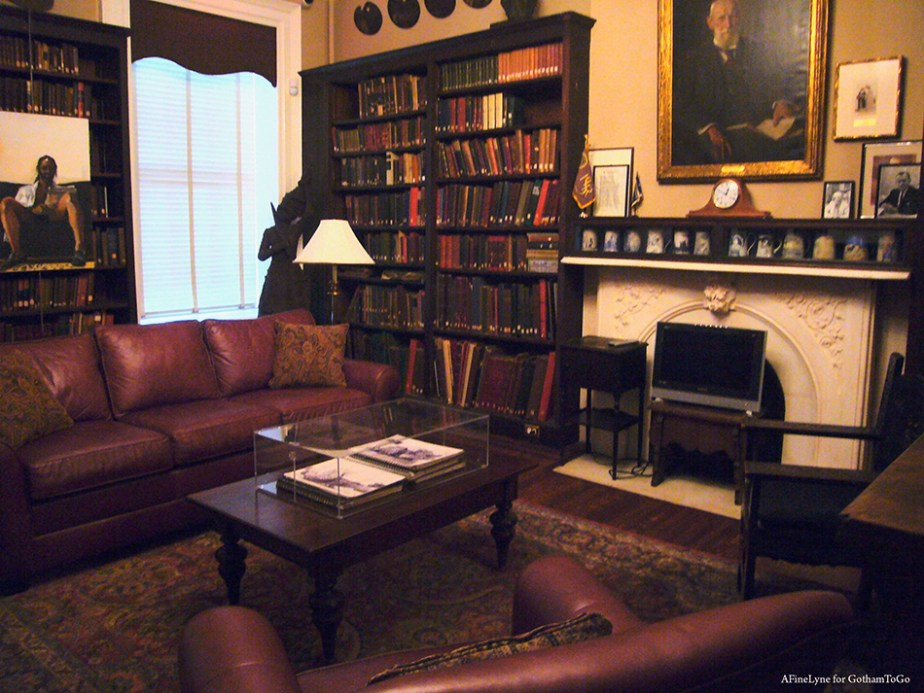 Salmagundi Club Library