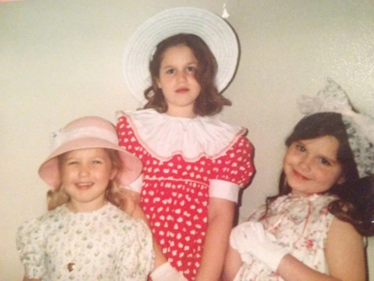 I'm in the middle. I wish I could pull that look off now.