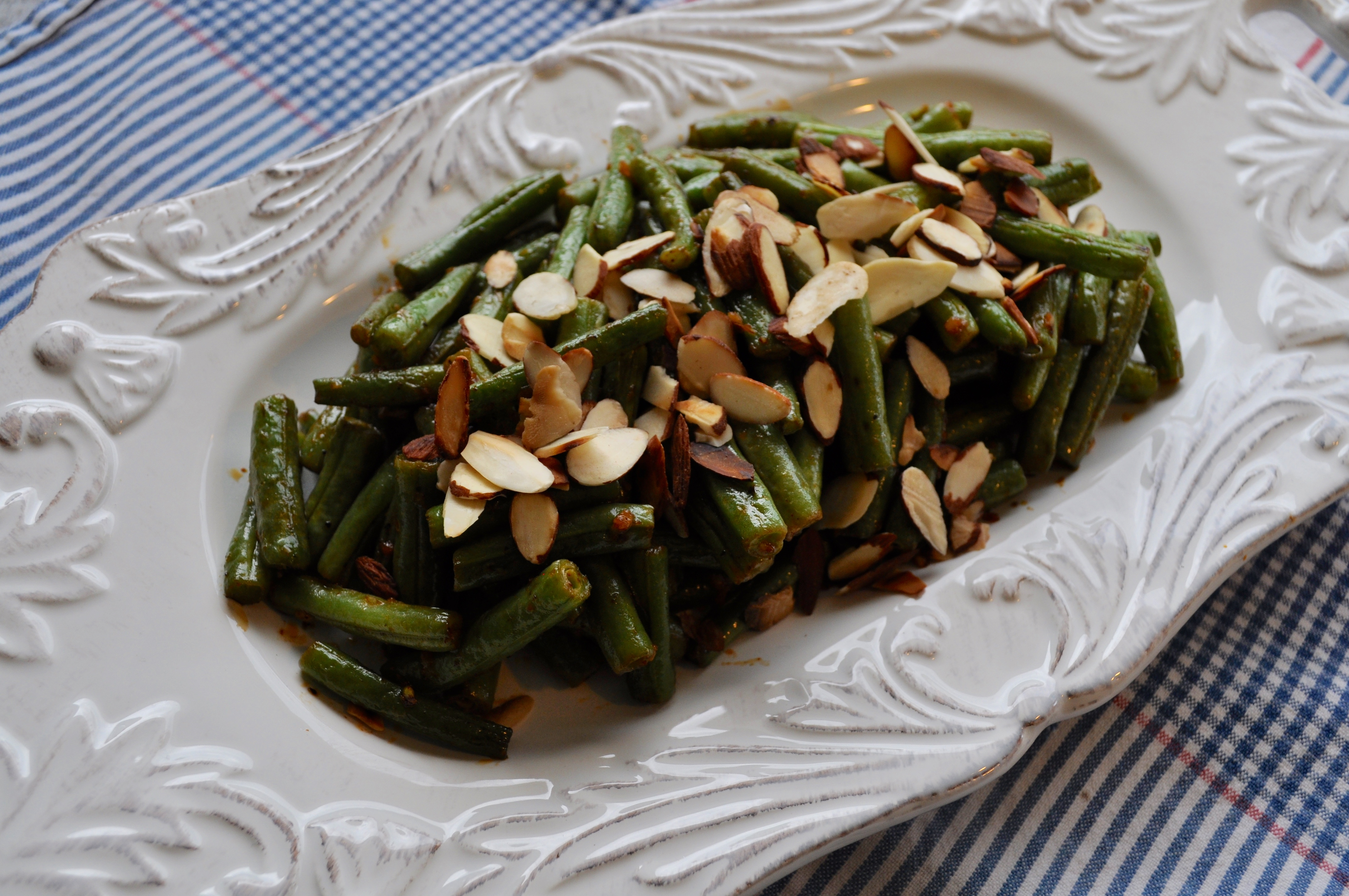 Sautéed Green Beans with Smoked Paprika and Almonds