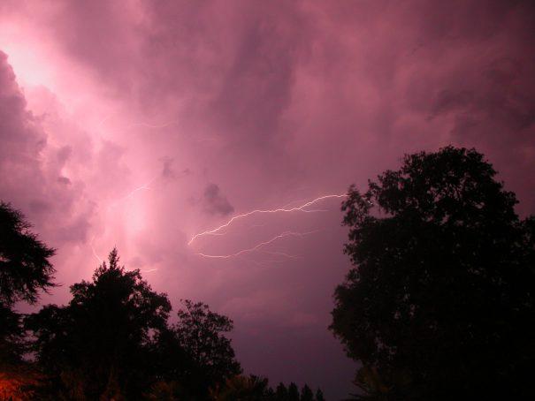 lightning-1476136