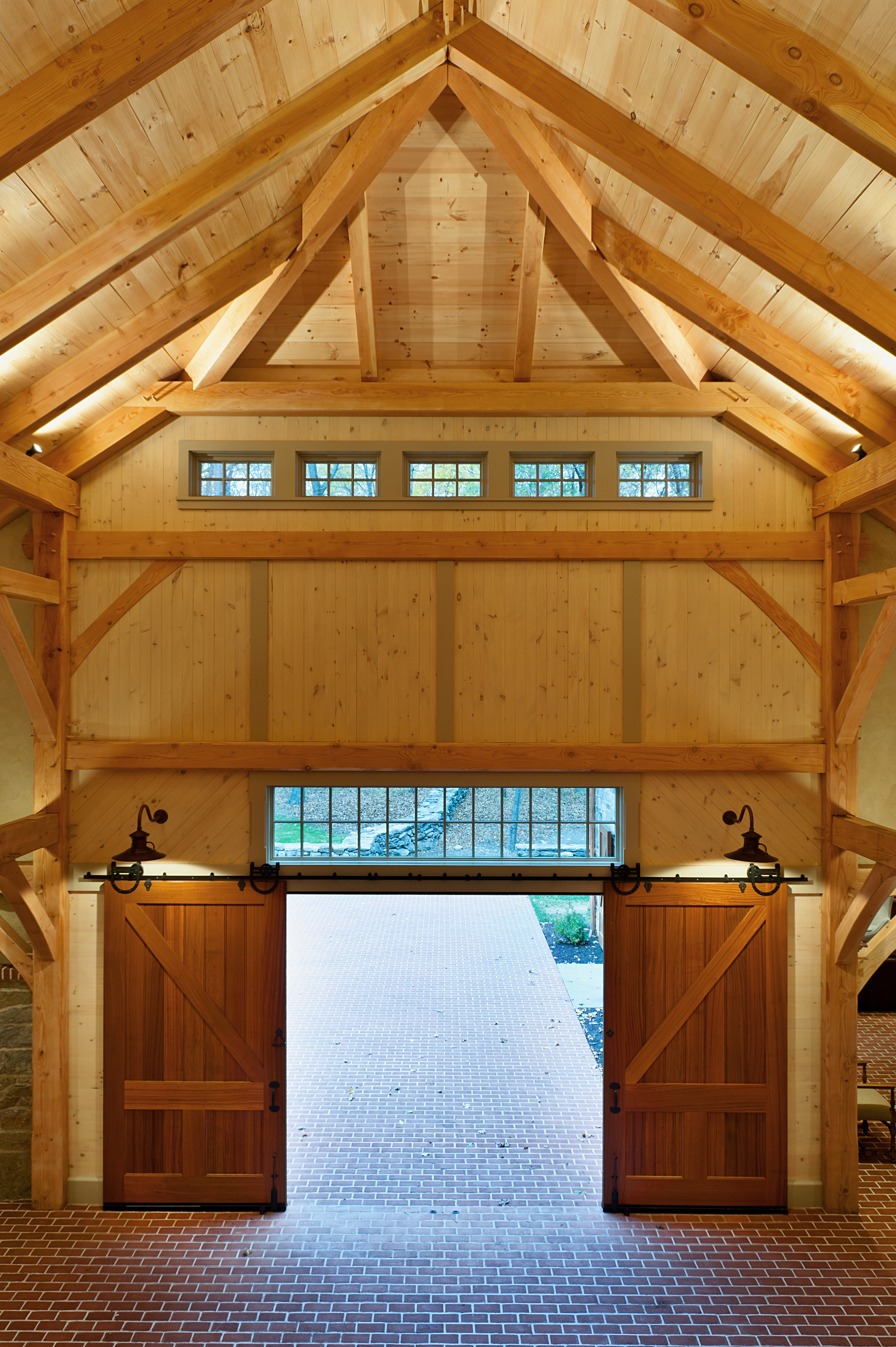 Tips Choosing Garage Doors For Your New House 16774