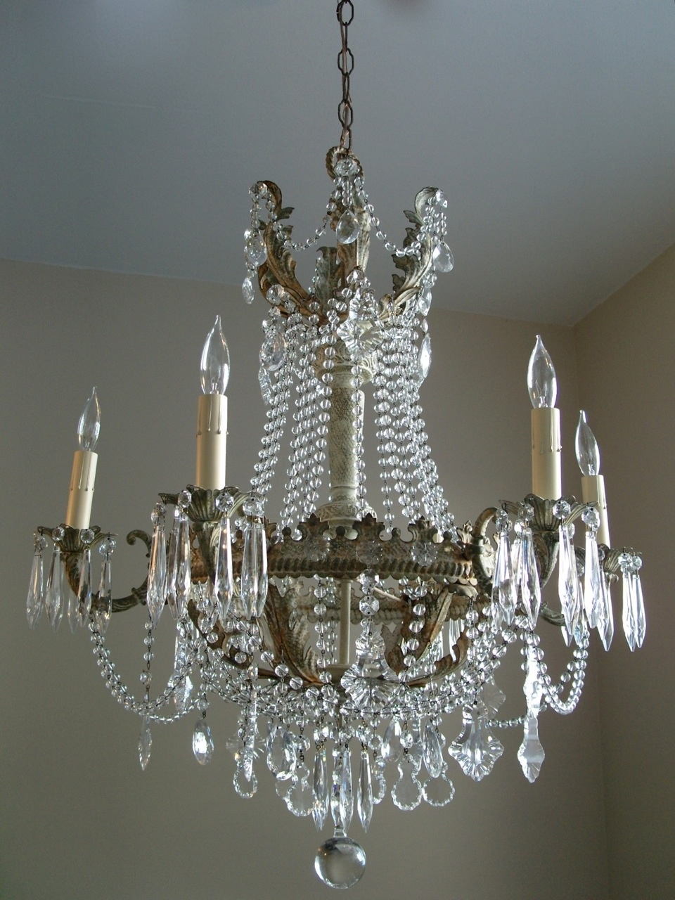 Antique Chandeliers or Shabby Chic Chandeliers?