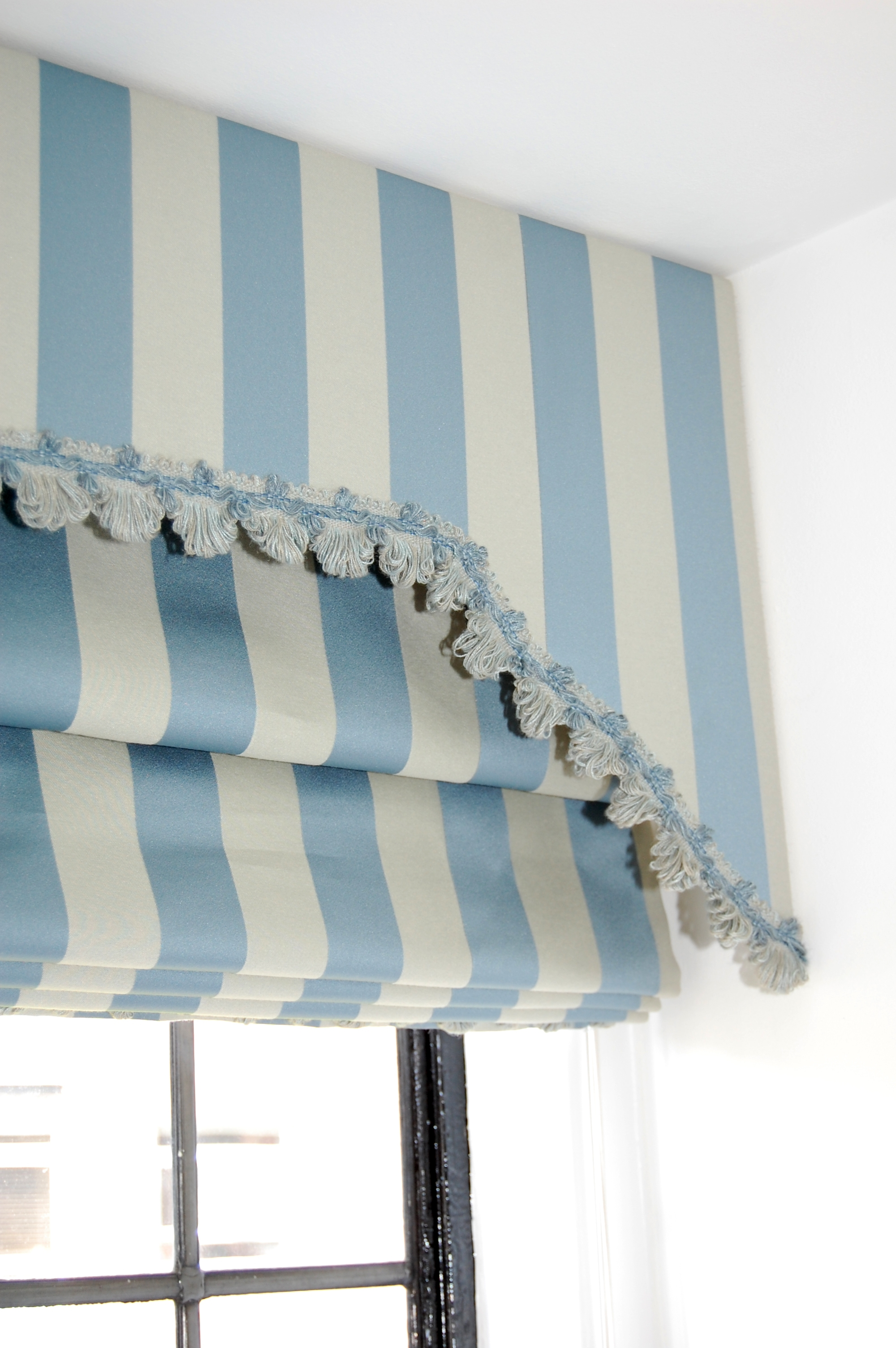 roman chair alternative velvet dining covers 15 photos blue and white striped blinds curtain ideas