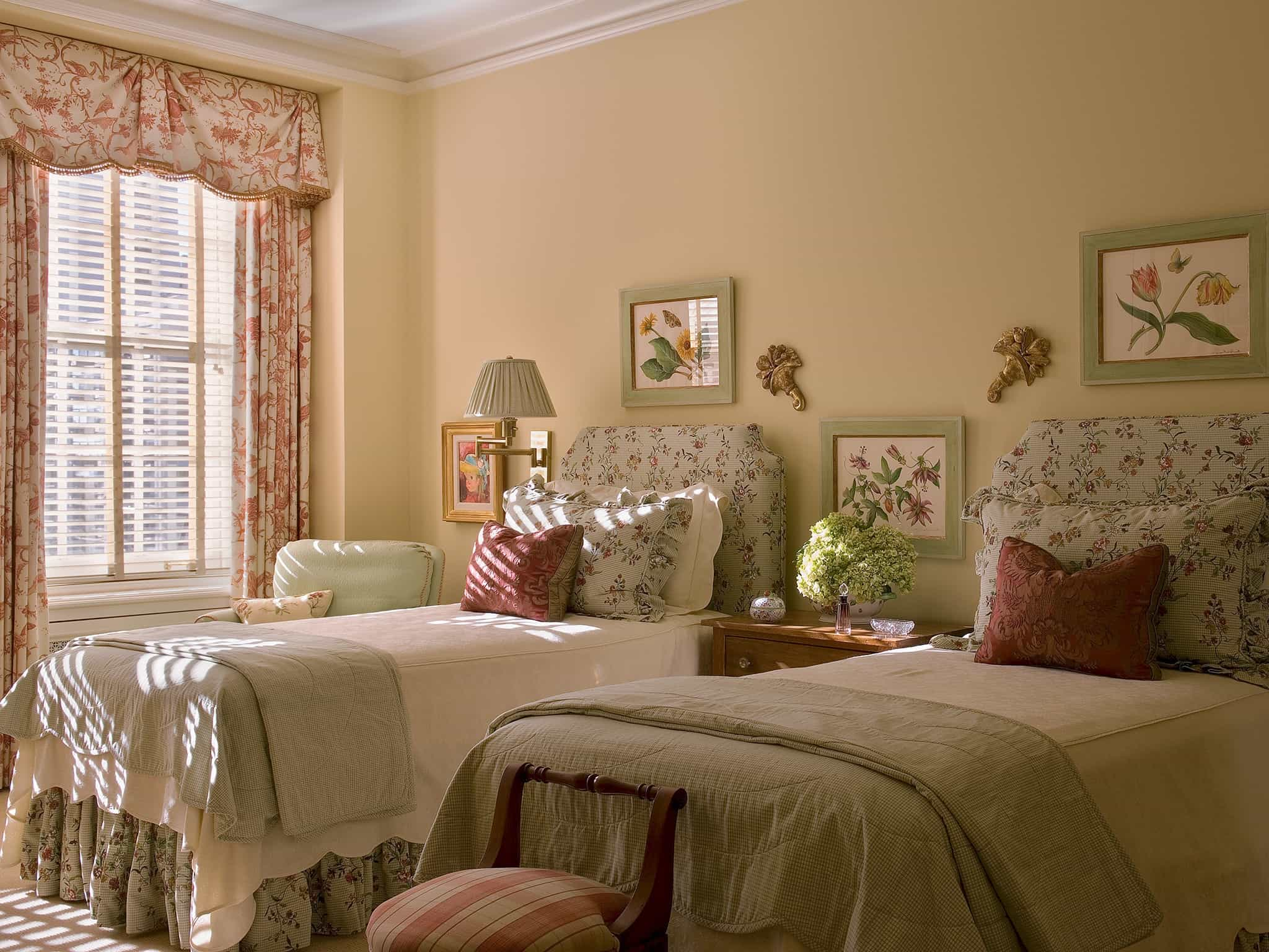 How To Decorate A Shabby Chic Bedroom #22944