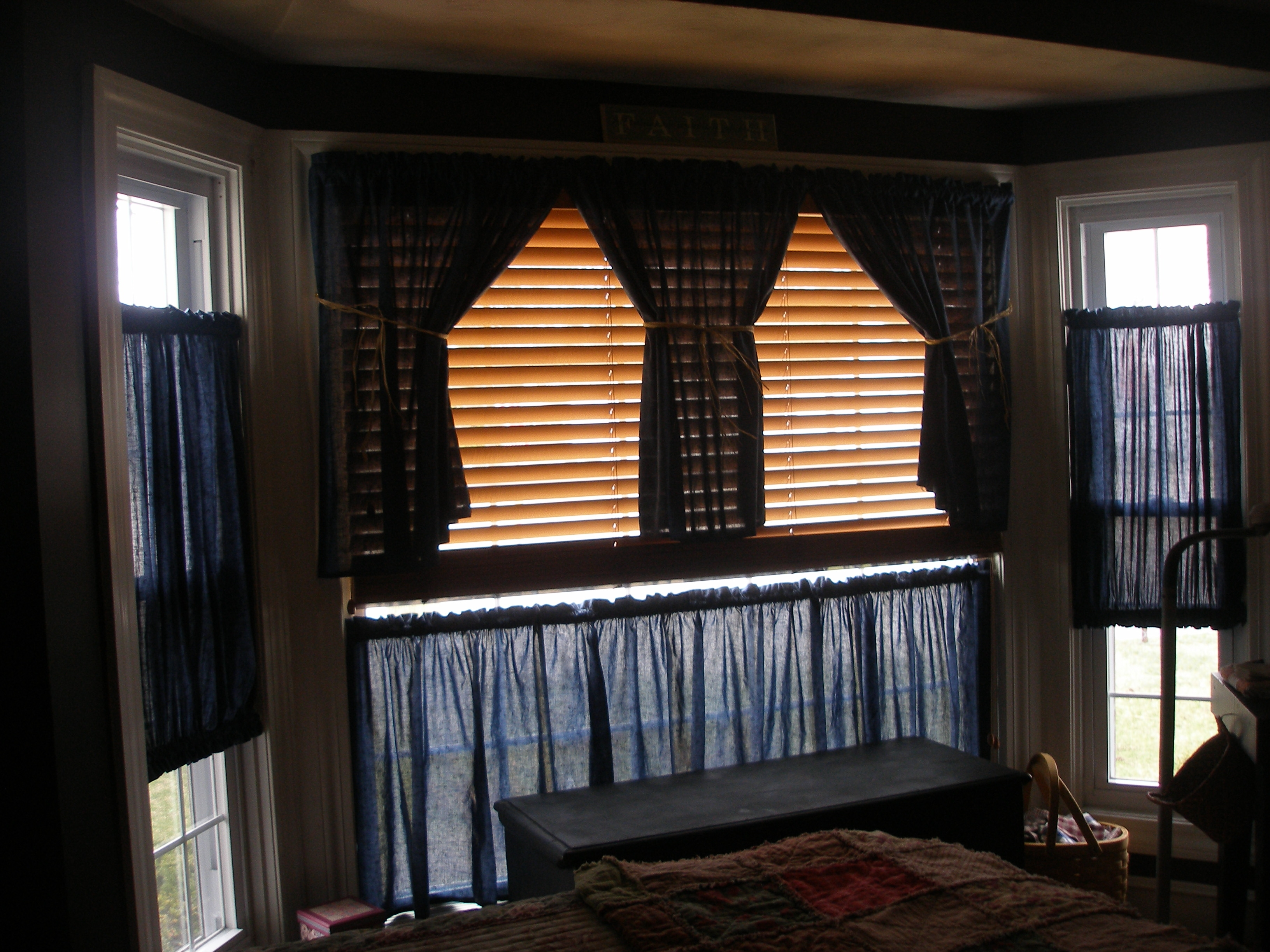 25 Photos Curtains For Bedrooms
