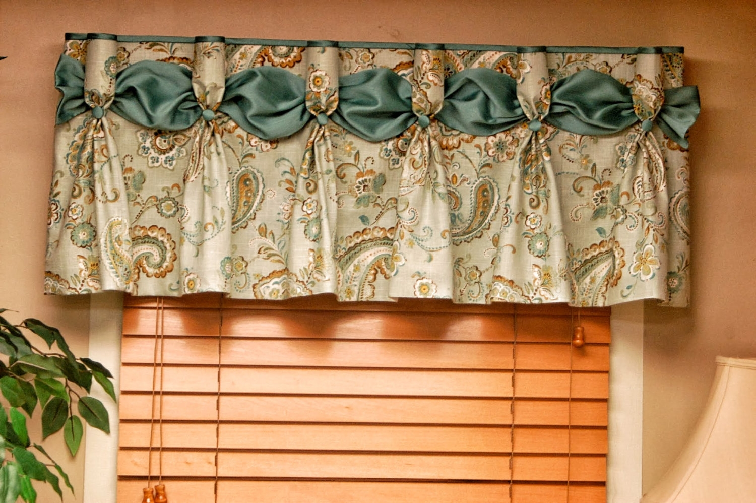 kitchen curtain patterns stainless steel aid mixer top 25 valance ideas