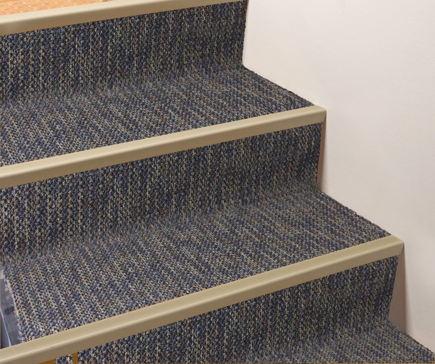 Top 15 Adhesive Carpet Strips For Stairs Stair Tread   Rug Strips For Stairs
