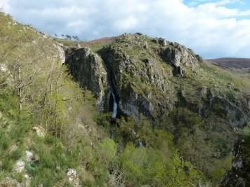 Cascade Pitoes das Junias
