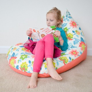 A bean bag chair in 30 minutes? Yes! Project Nursery shares a tutorial for a 30 minute bean bag chair that your little one will love! -Sewtorial