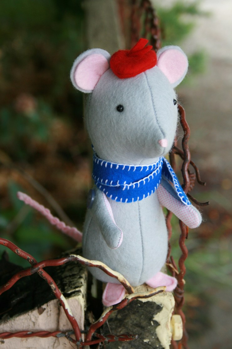 Create this cutie pie mouse softie by Jodie Carleton - Sewtorial