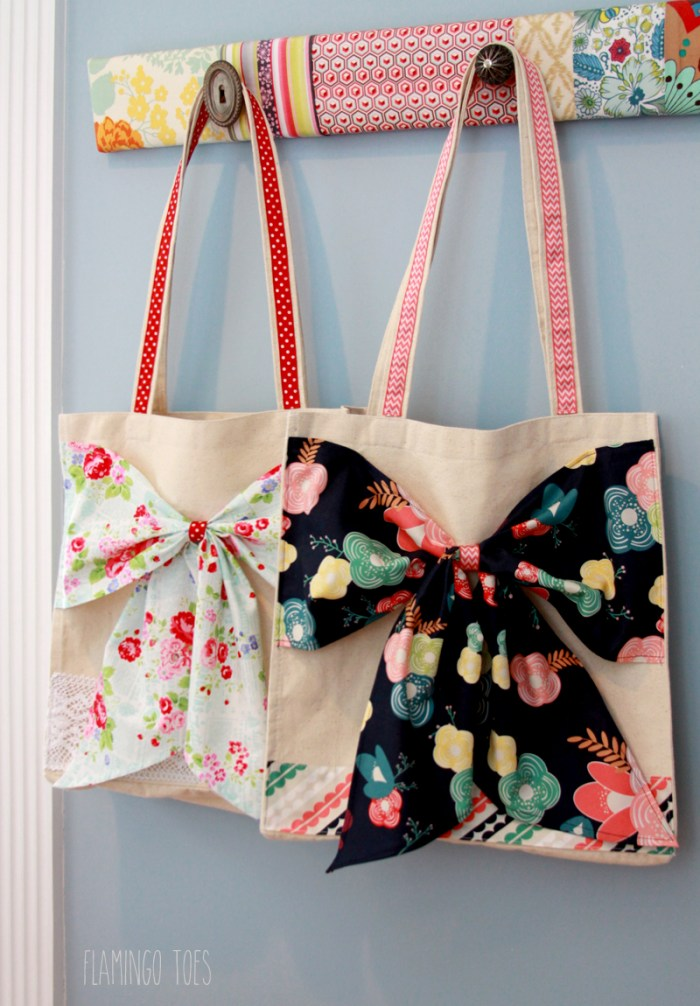 Add a touch of femininity to your tote with a beautiful bow accent using this fabric bow tote turorial by Flamingo Toes. -Sewtorial