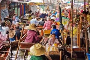 Damnoen Saduak Floating Market in Bangkok