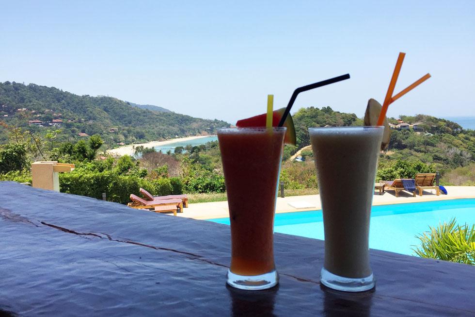 Drinks at Toppy Bar in Koh Lanta
