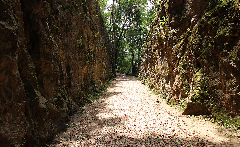 The cutting went straight through mountains - Hellfire Pass in Kanchanaburi