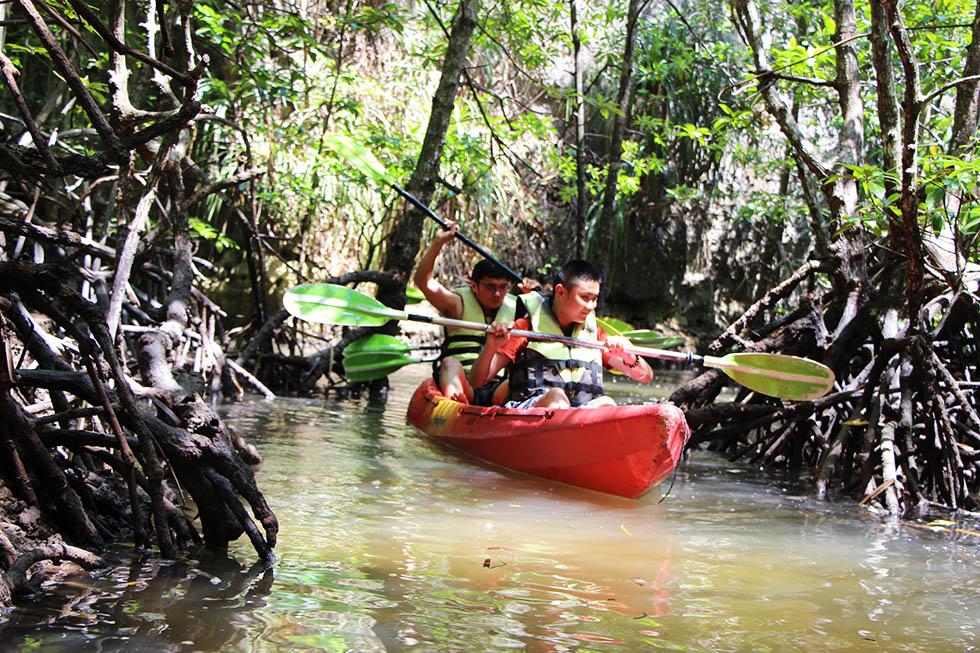 The narrow mangrove waterways were a lot of fun - Tha Lane Bay in Krabi