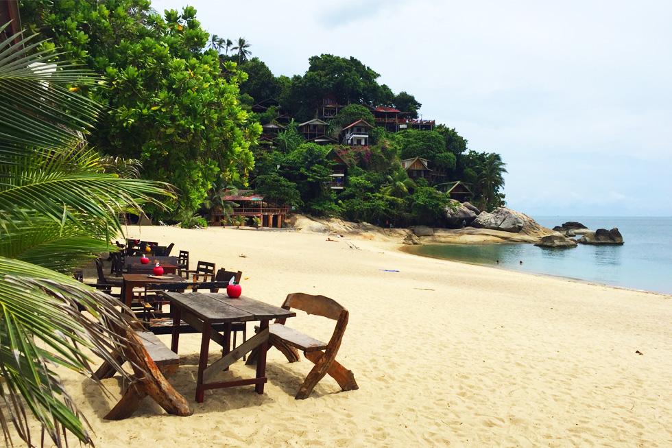 Having lunch on Than Sadet Beach