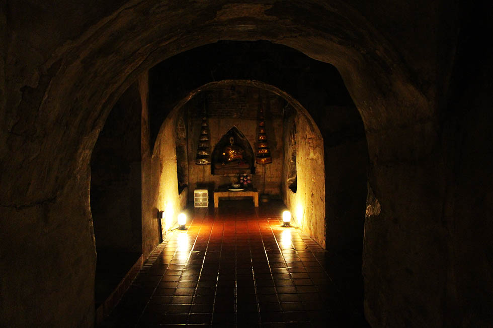 The tunnels of Wat Umong in Chiang Mai