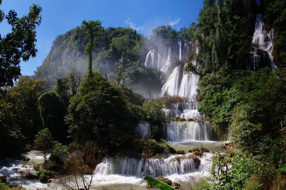 Thi Lor Su Waterfall at Umphang