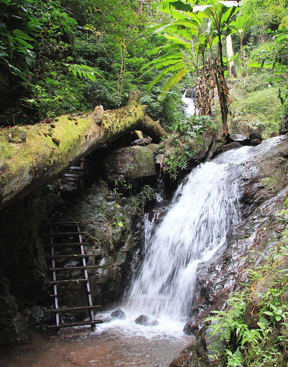 Champa Thong Waterfall in Phayao