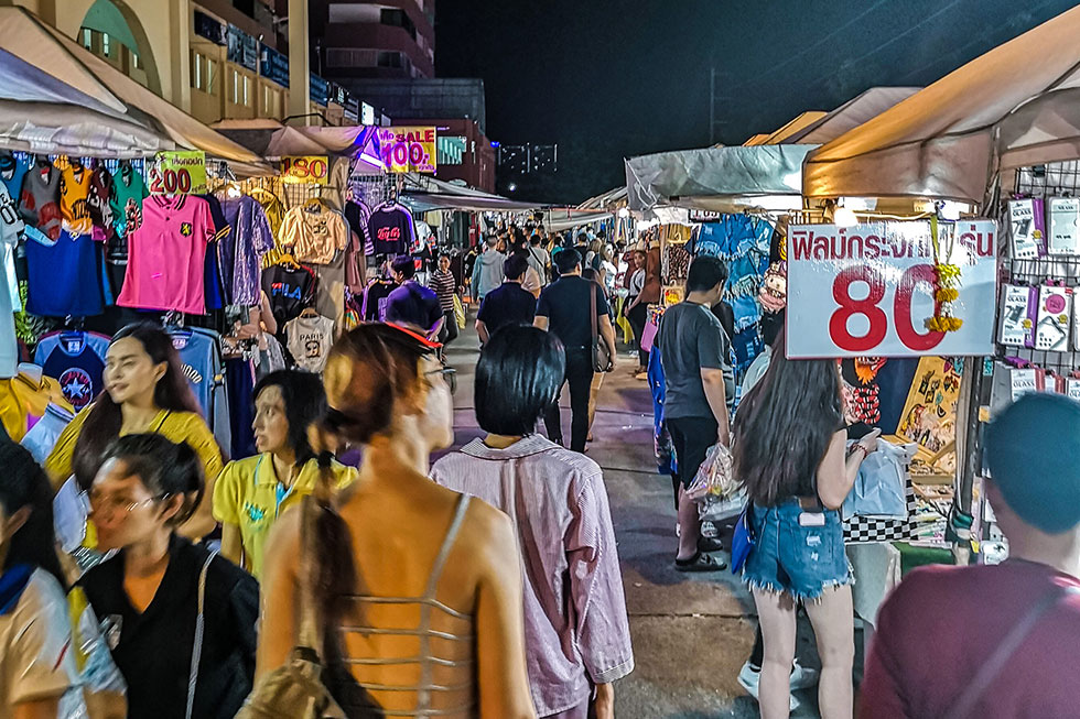 Thepprasit Night Market in Pattaya