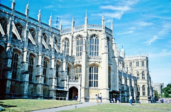 Windsor Castle, Stonehenge, Lacock and Bath Day Trip from London