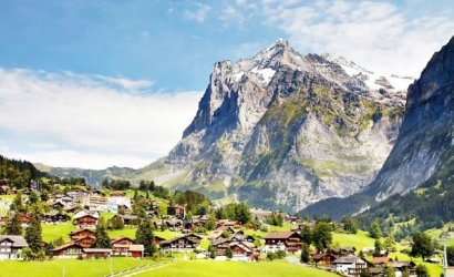 7-Day Europe Tour from London: Paris - Swiss Alps - Rhine Valley - Holland