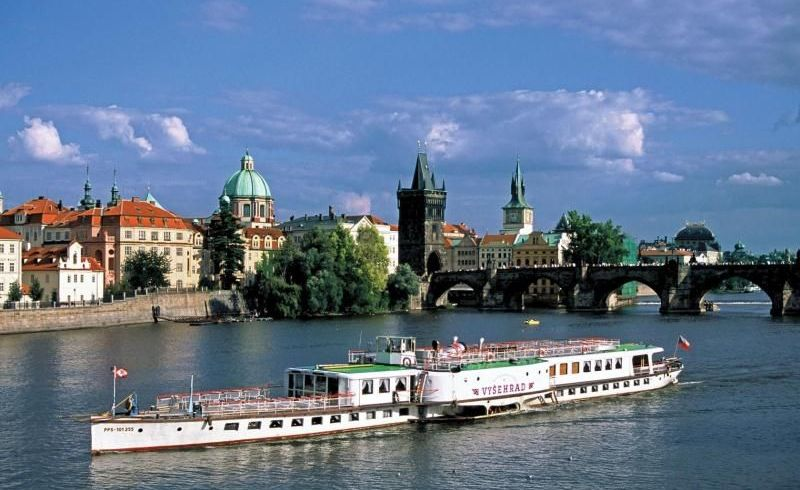 Prague Lunch Cruise - Ticket Only