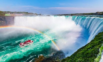 VIP Niagara Falls Tour with Hornblower Cruise from Toronto